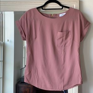 LOFT dusty pink top with front pocket (XS) ✨